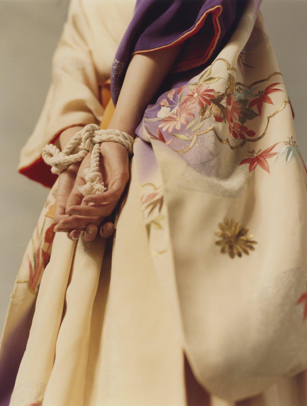 Kimono de KIMONO HOUSE y cinturón de LOEWE.