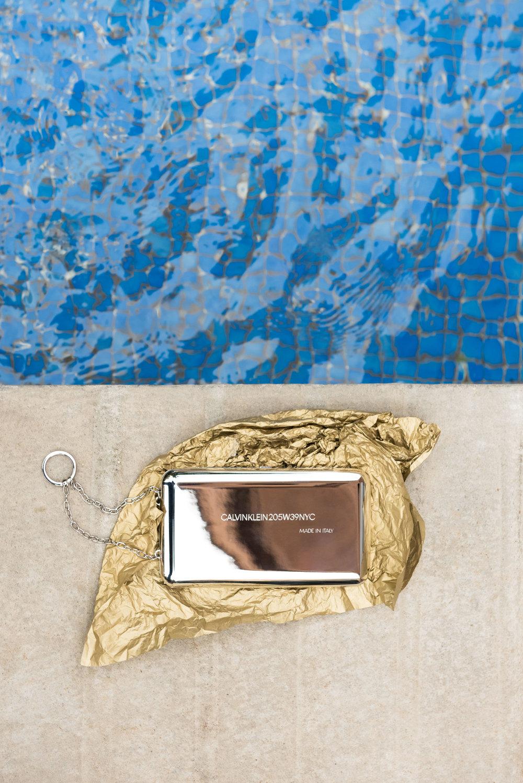 Bolso de  CALVIN KLEIN 205W39NYC .
