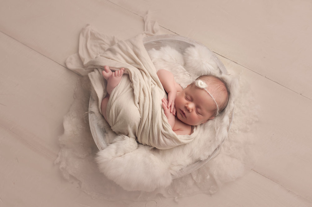bornarchivalco_newbornphotographer12.jpg
