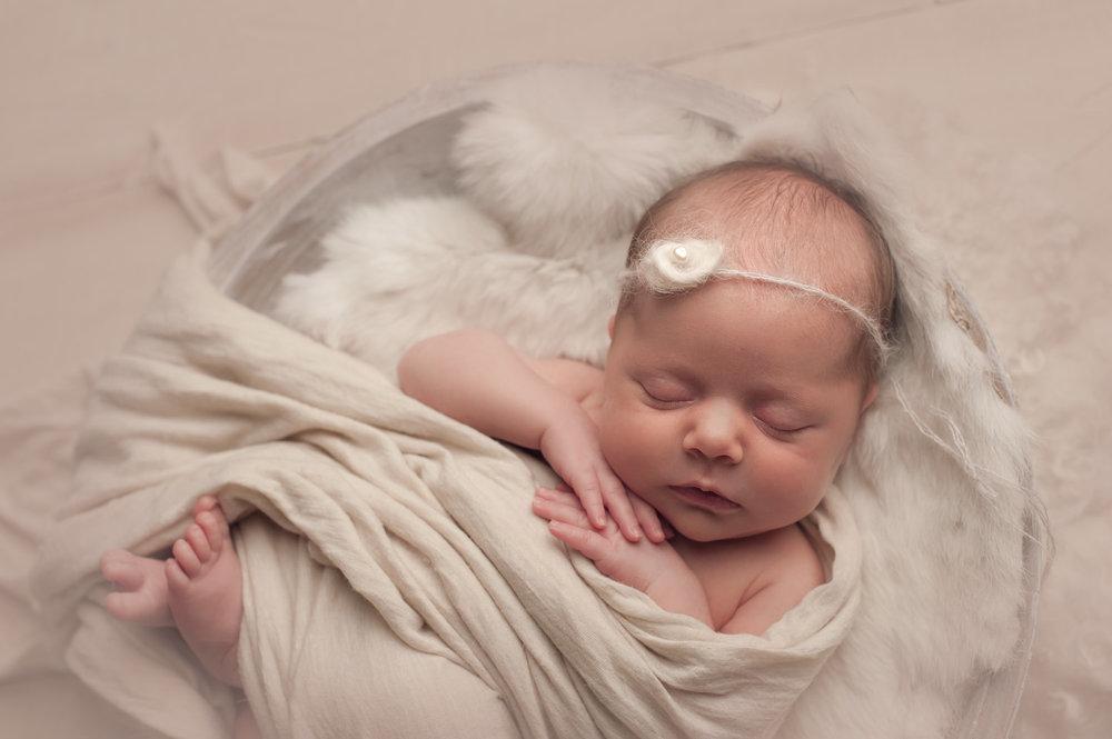 bornarchivalco_newbornphotographer13.jpg