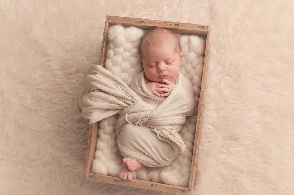 bornarchivalco_newbornphotographer08.jpg
