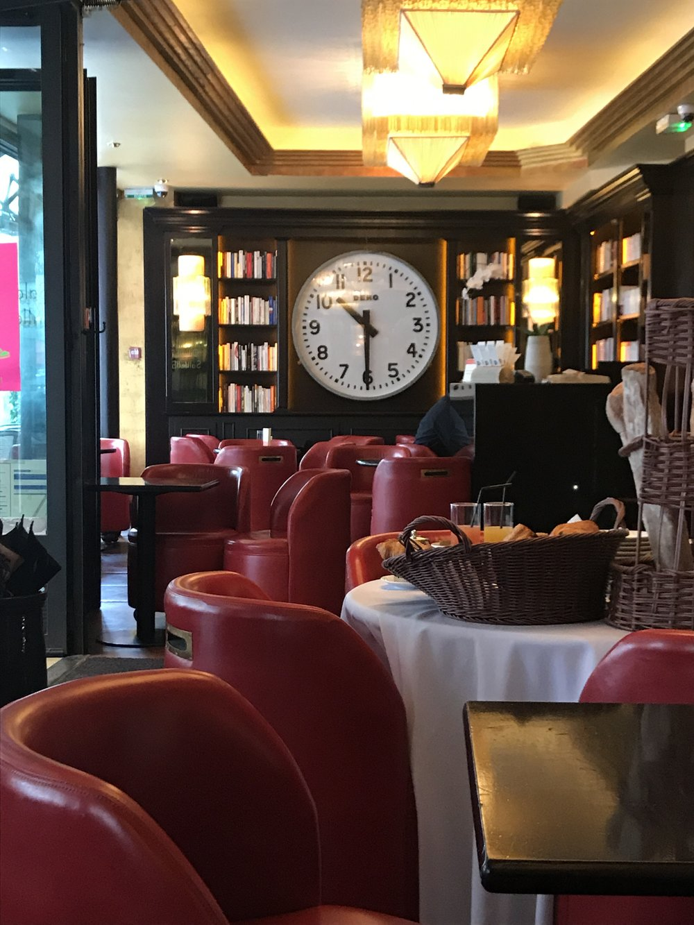 Quando olho essa foto... fico com saudades dos meus cafés da manhã lá. Foto: Mandolina Blog.