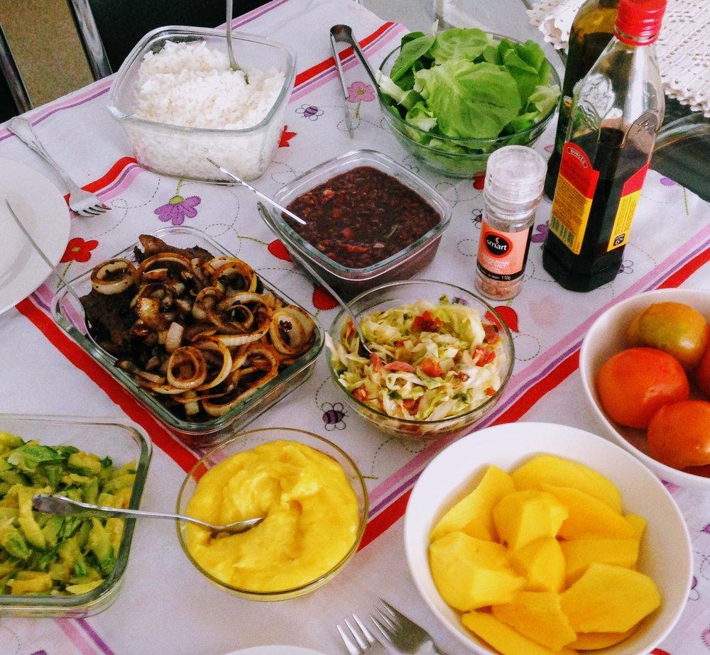Meu ideal de almoço em casa. Foto nada produzida, mas ela é vida REAL!