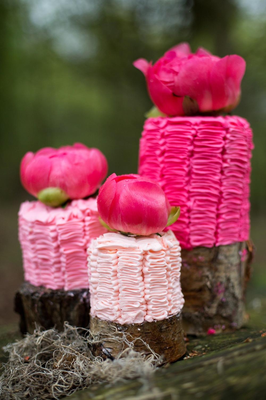 Buttercream ruffle cakes