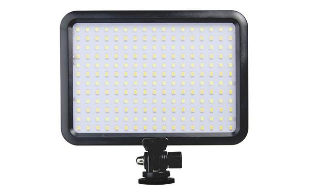1-ledvideolight-b3810040d9.jpg