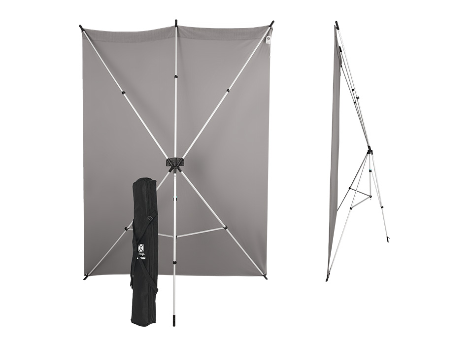 Ultra-Portable Backdrop Frame - Weighing under 3 pounds, the X-Drop Backdrop Stand is the lightest available on the market. It assembles in seconds thanks to its unique telescopic design and is ideal for traveling photographers and small studios.
