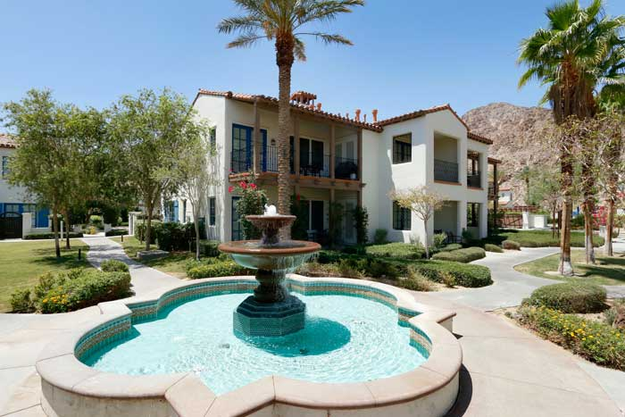 Fountain and condos at Legacy Villas La Quinta CA
