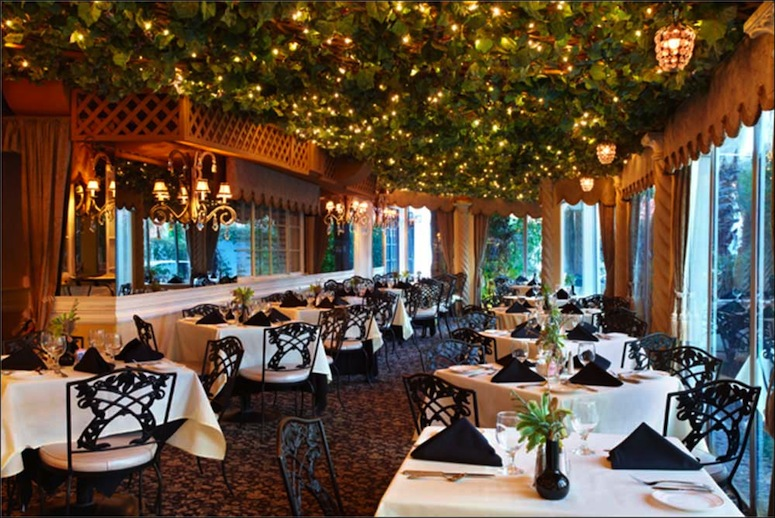 PHOTO COURTESY OF MAPMUSE.COM   Melvyn's may have lost its namesake in 2016, but the restaurant is quintessential Palm Springs.