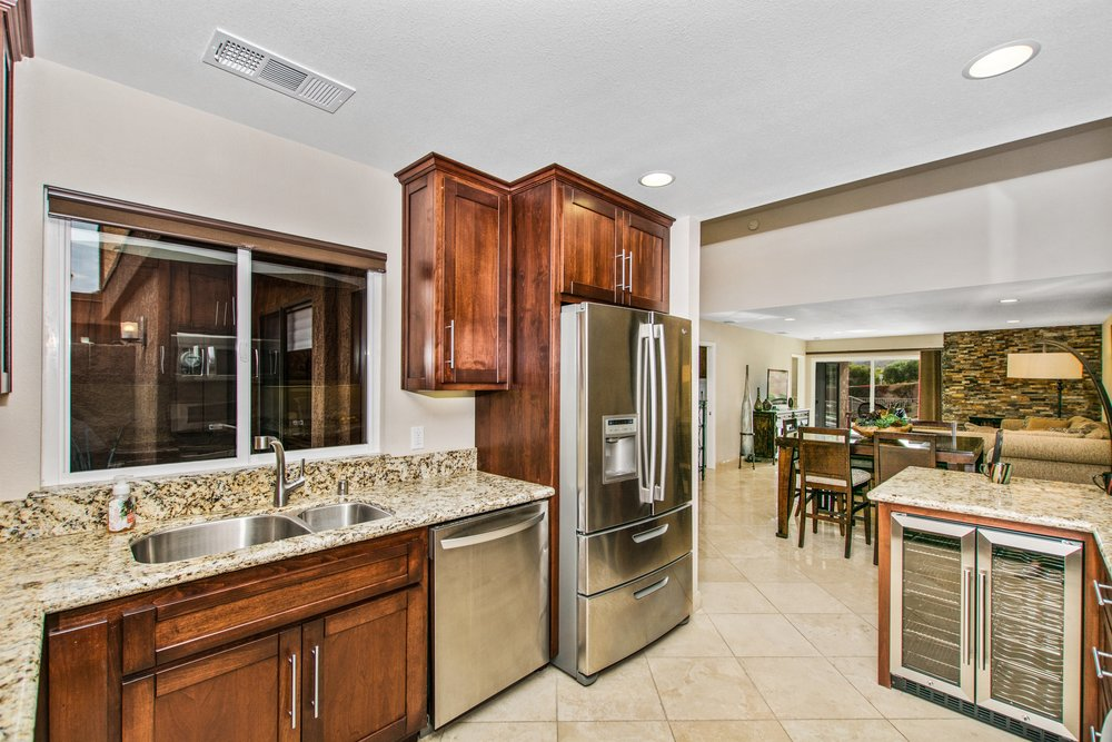 004_Kitchen.jpg