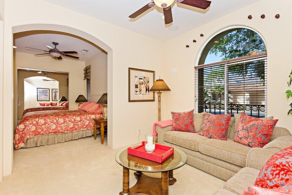 010_Living Room .jpg