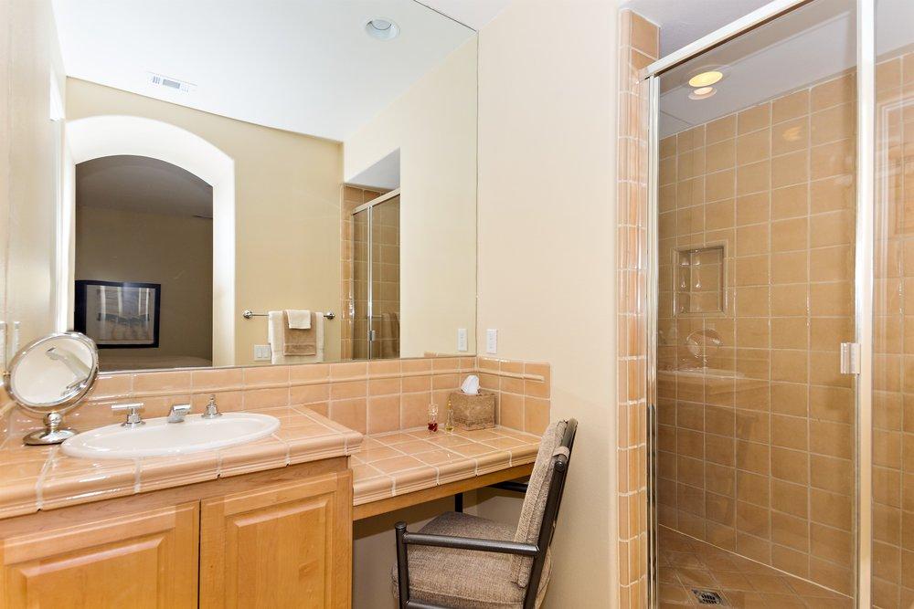 020_Bathroom .jpg