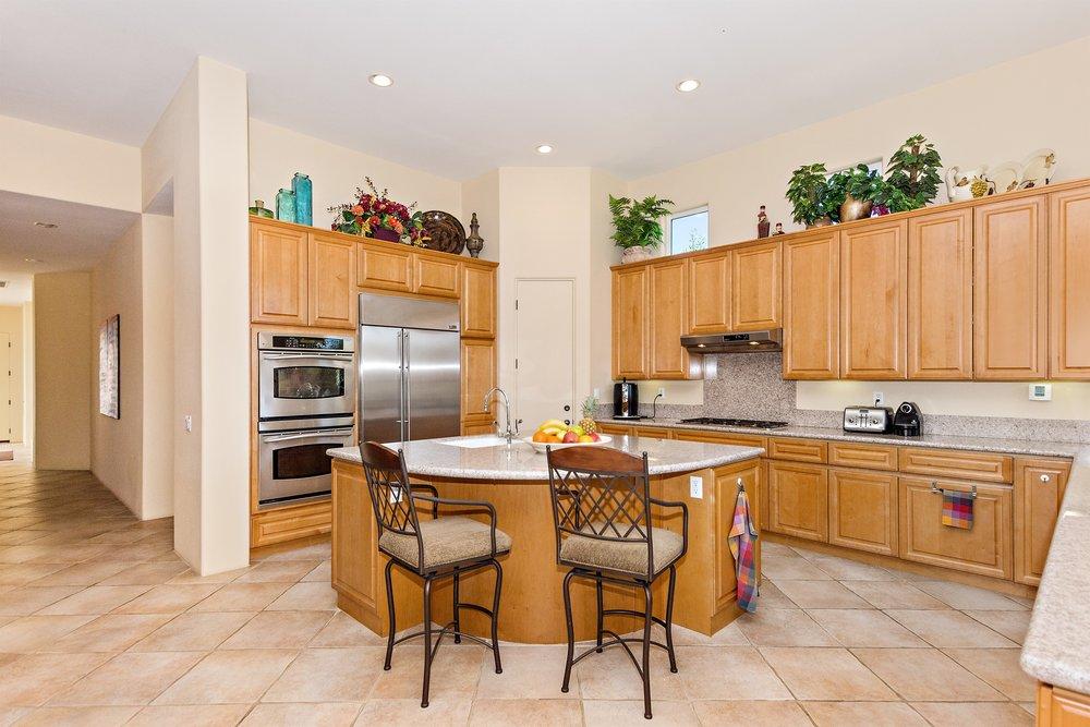 023_Kitchen .jpg