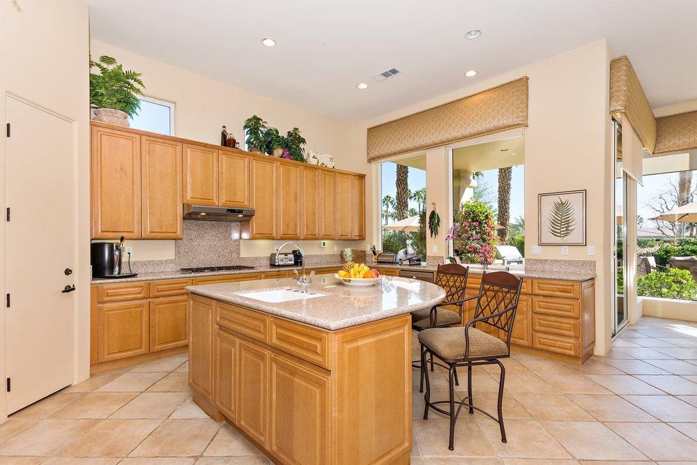 024_Kitchen .jpg