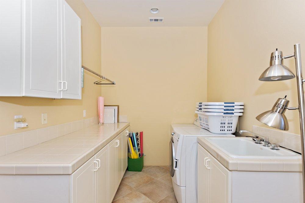 030_Laundry .jpg