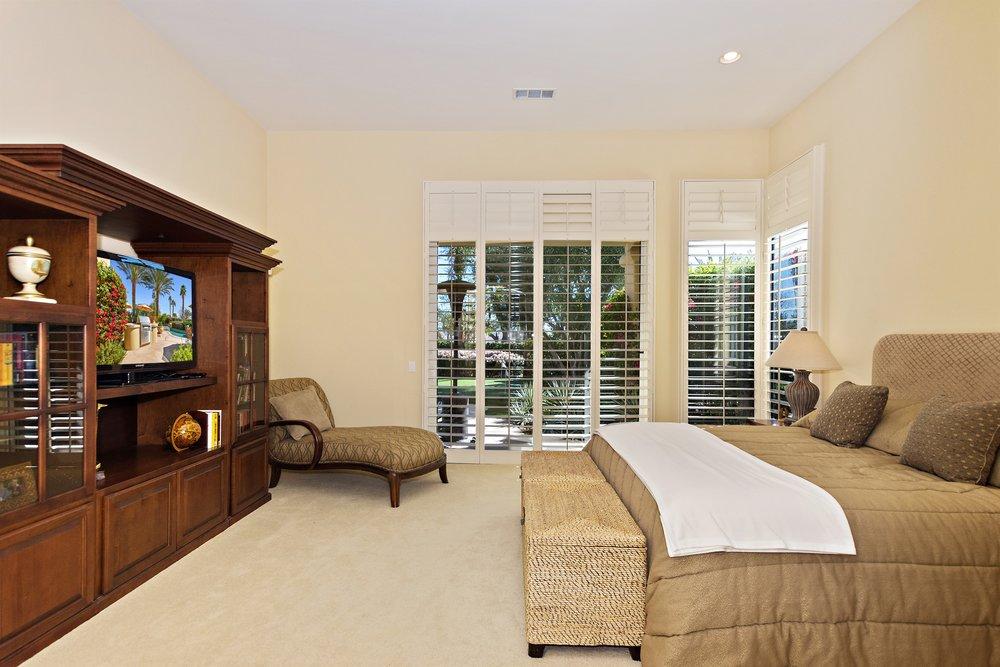 040_Master Bedroom .jpg