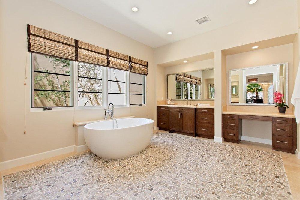 24-Master_Bathroom(1).jpg