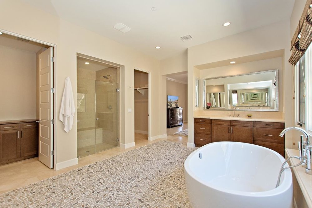 25-Master_Bathroom(2).jpg