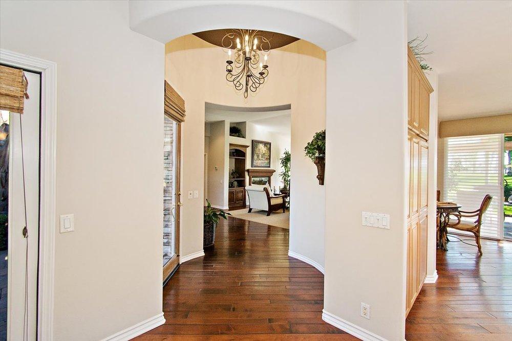 14-Hallway.jpg