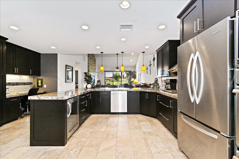 03-Kitchen(1).jpg