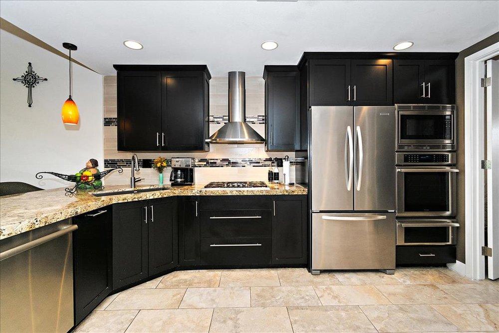 04-Kitchen(2).jpg