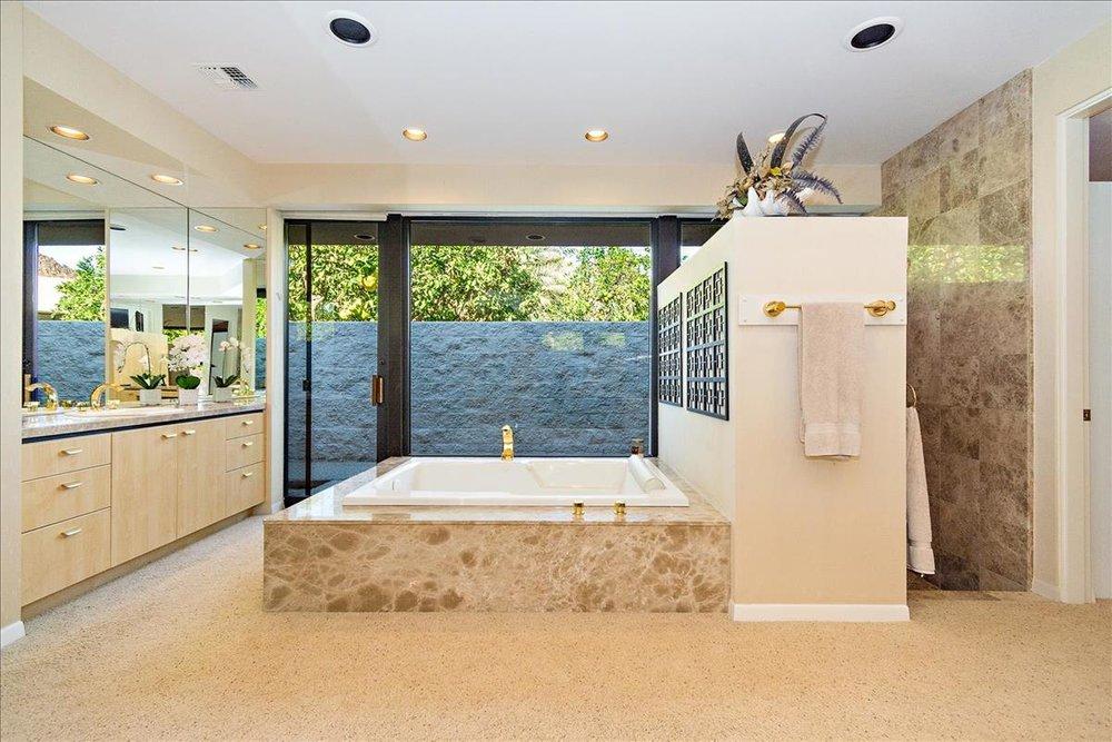 40-Master_Bathroom.jpg