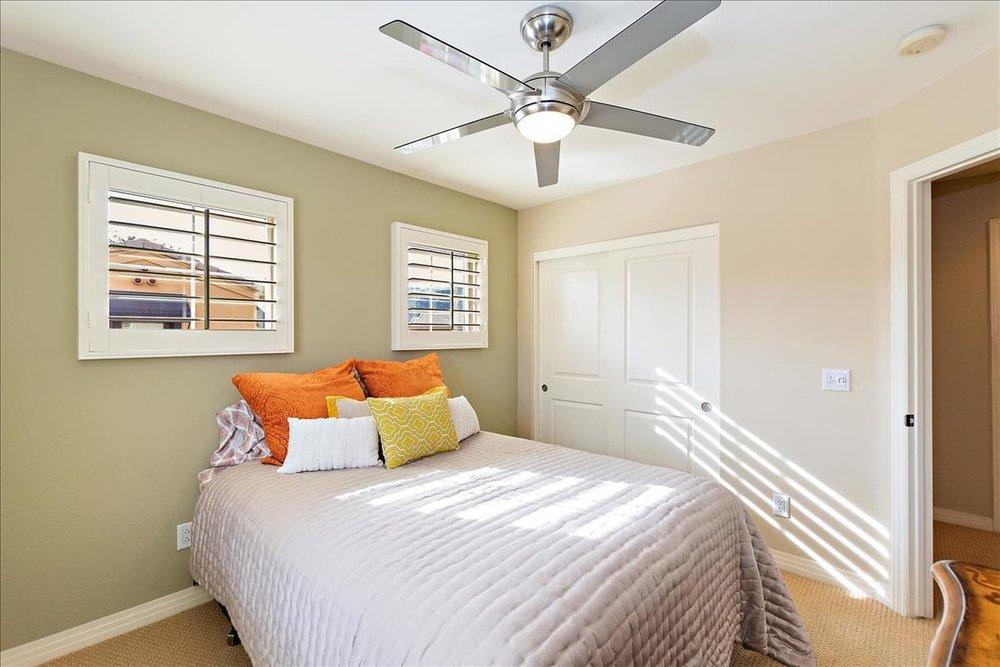 16-Bedroom_2(1).jpg