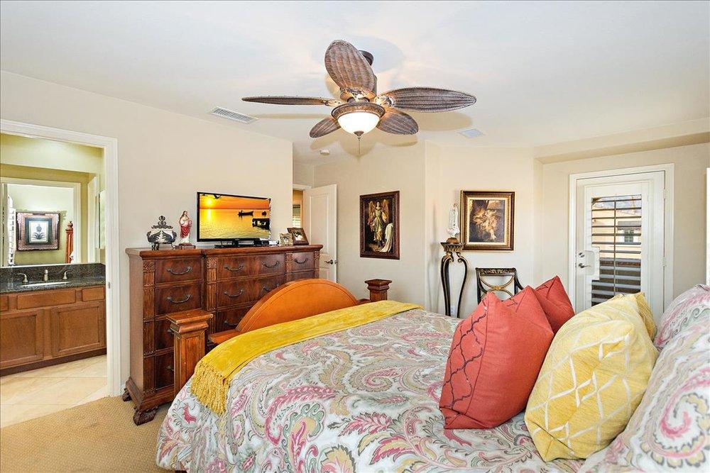 19-Master_Bedroom(2).jpg