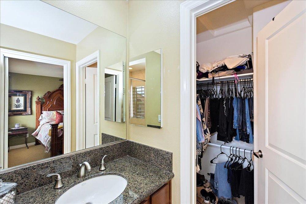 23-Master_Bathroom(3).jpg