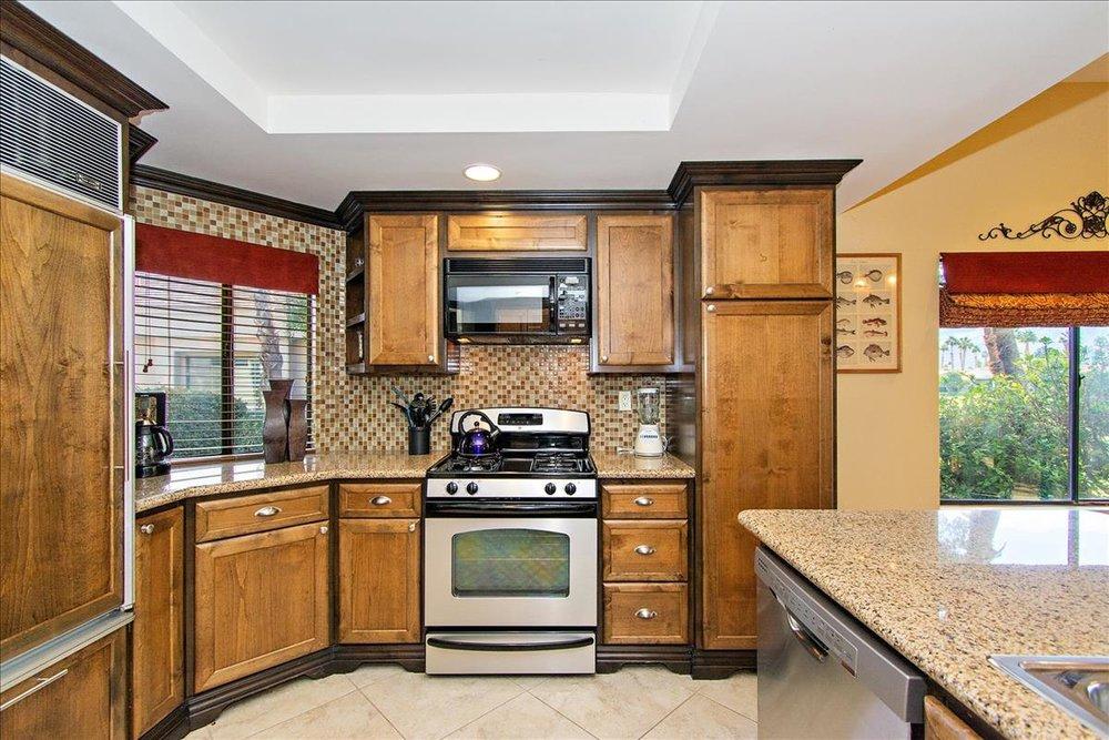 04-Kitchen(1).jpg