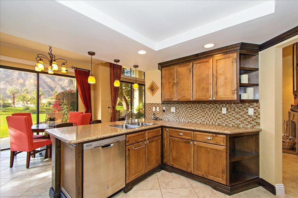 05-Kitchen(2).jpg
