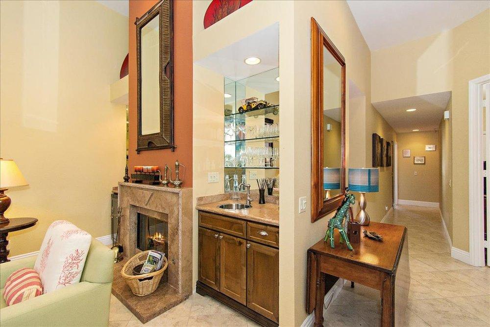 11-Living_Room(4).jpg