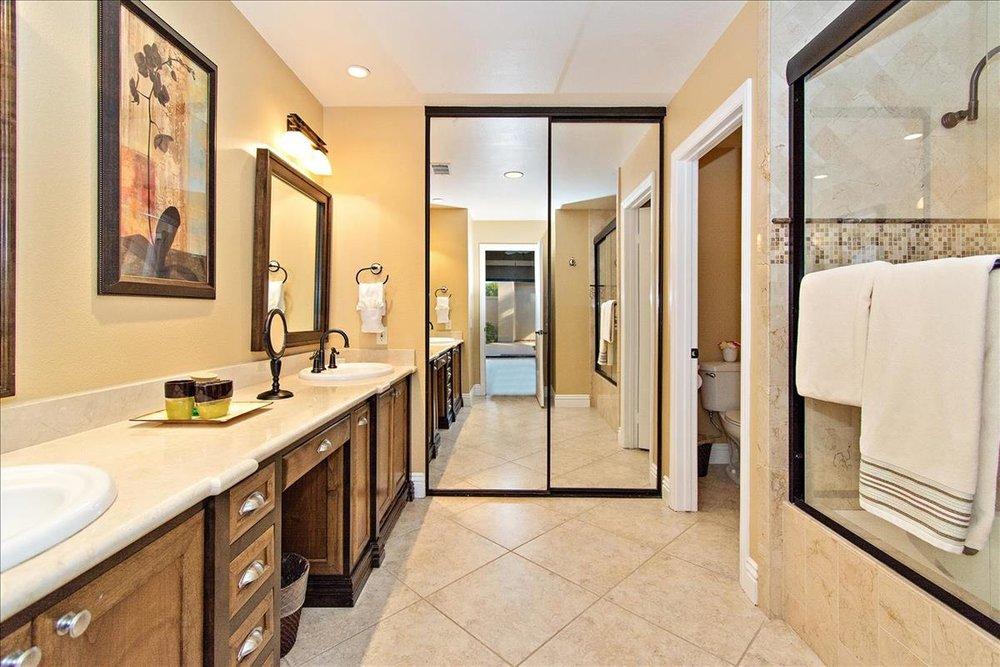 19-Master_Bathroom.jpg