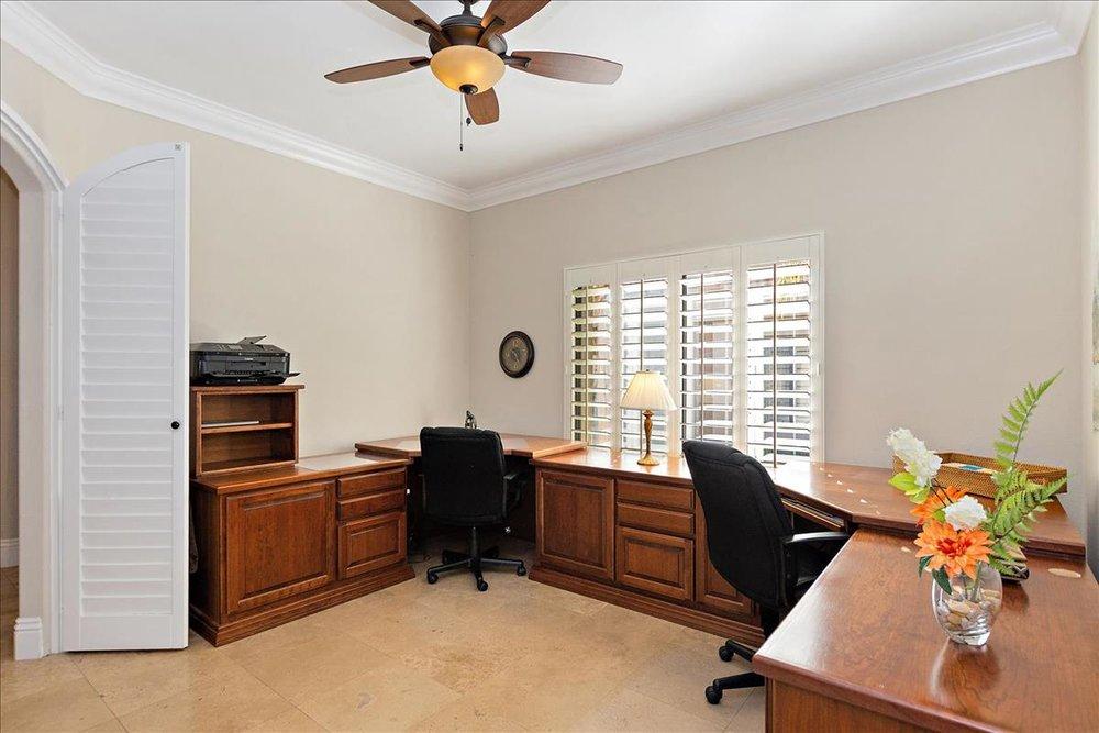 19-Office(1).jpg