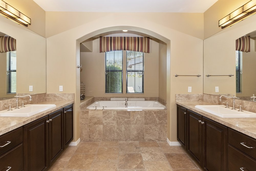 025_Master Bathroom .jpg