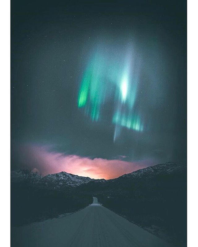 Northern lights season ✨ captured by @eventyr. You have TWO MORE WEEKS to submit to our first print issue! Fashion, portraits, landscapes... moodboards are more than welcome!  #getprinted #fashionmagazine #travelmagazine #scandinavia #visitnorway #visiticeland #lofoten #tromsø #faroe #liveauthentic #eventyr #getpublished #submissions