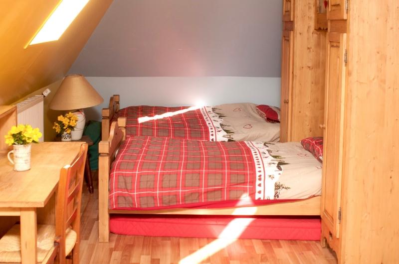 bedroom6a.jpg