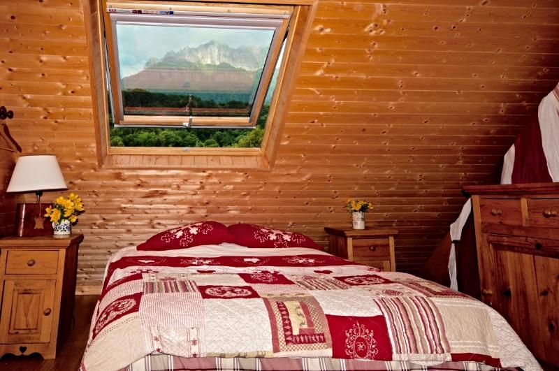 bedroom7b.jpg