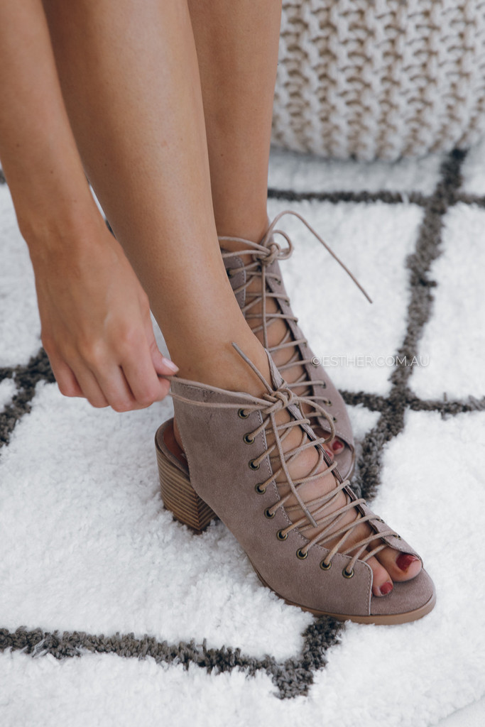 Mollini Shoes Bonds - Taupe I am already imagining so many outfits I could pair these shoes with. I've been obsessed with lace-up style shoes lately, so this pair is on my radar. The taupe color would go with everything from a cute romper to a pair of boyfriend jeans. The low heel makes them an easy transition from day to night. I need them in my closet immediately!