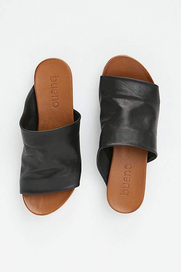 c748e47892e0 Bueno Shore Thing Slide Sandal