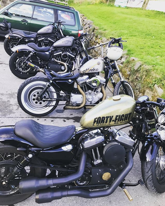 Squad night. - Burgers and chips and a beer. - Done. - #harleydavidson #harleydavidsonuk #harleydavidsonmotorcycles #sportster48 #sportster48 #sportster883 #sportster1200 #sportstersicknessuk #sportsternation #harleychop #harleyrider #bobber #chopper #chopperlife