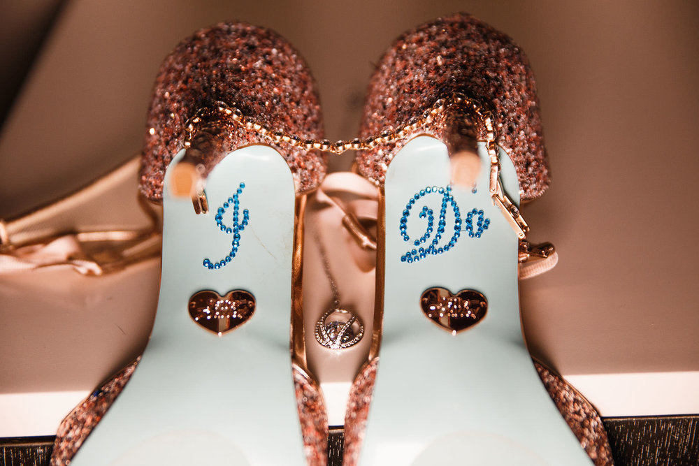 bridal-details-wedding-shoes