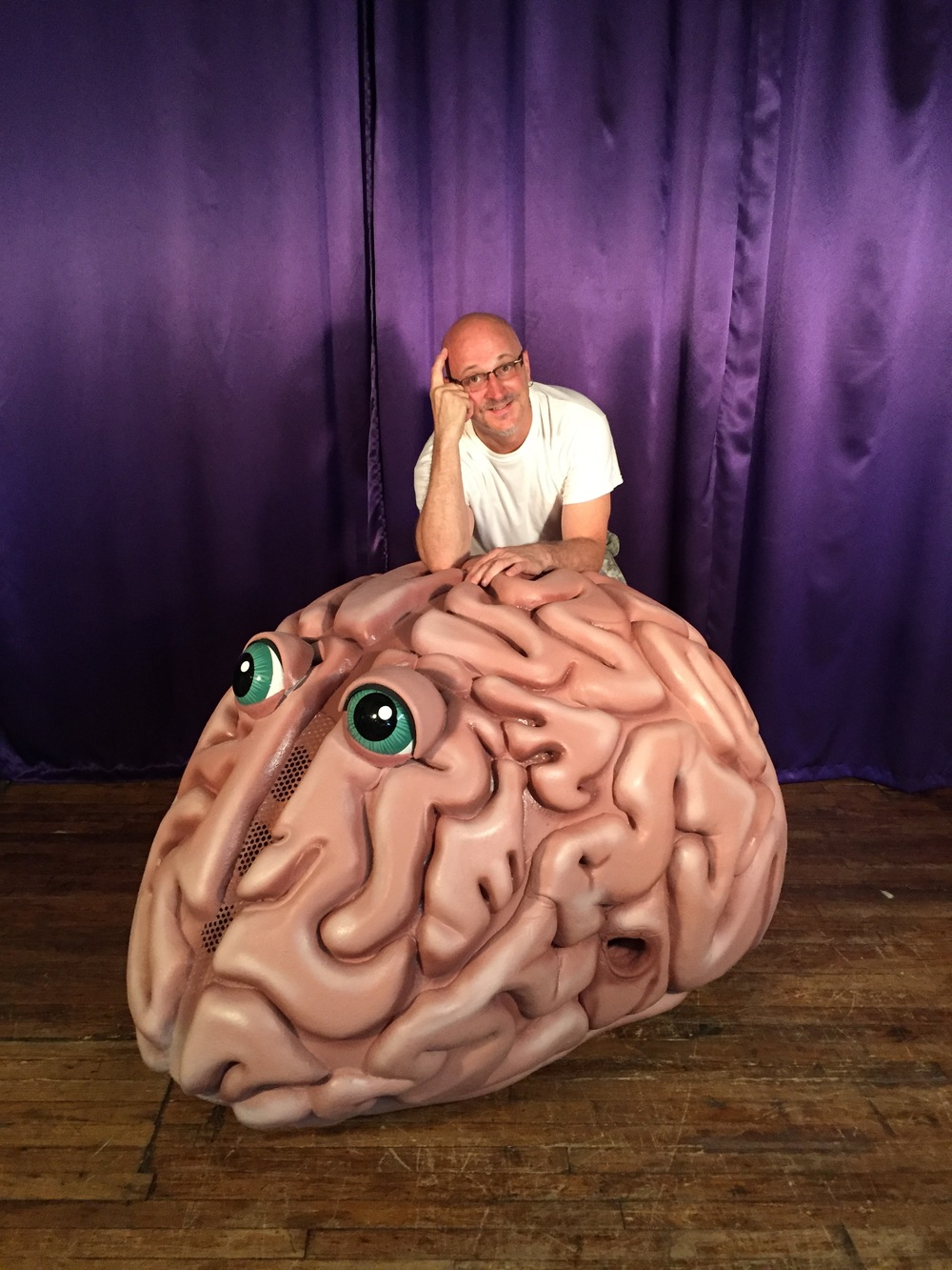 Scott poses with (wide-eyed!) brain costume