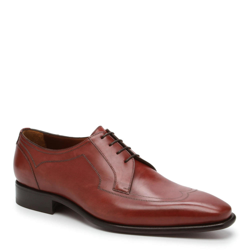 Brown leather men's dress shoe