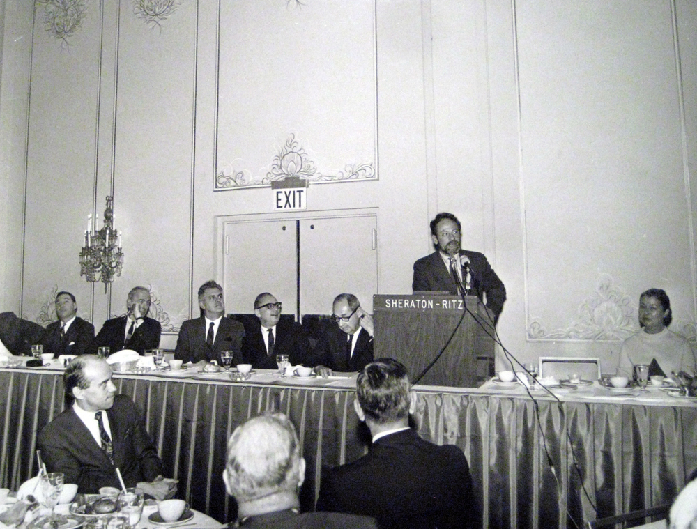 Halprin speaking to members of the City and the Downtown Council at the Sheraton-Ritz. (Lawrence Halprin Collection, University of Pennsylvania Architectural Archives)