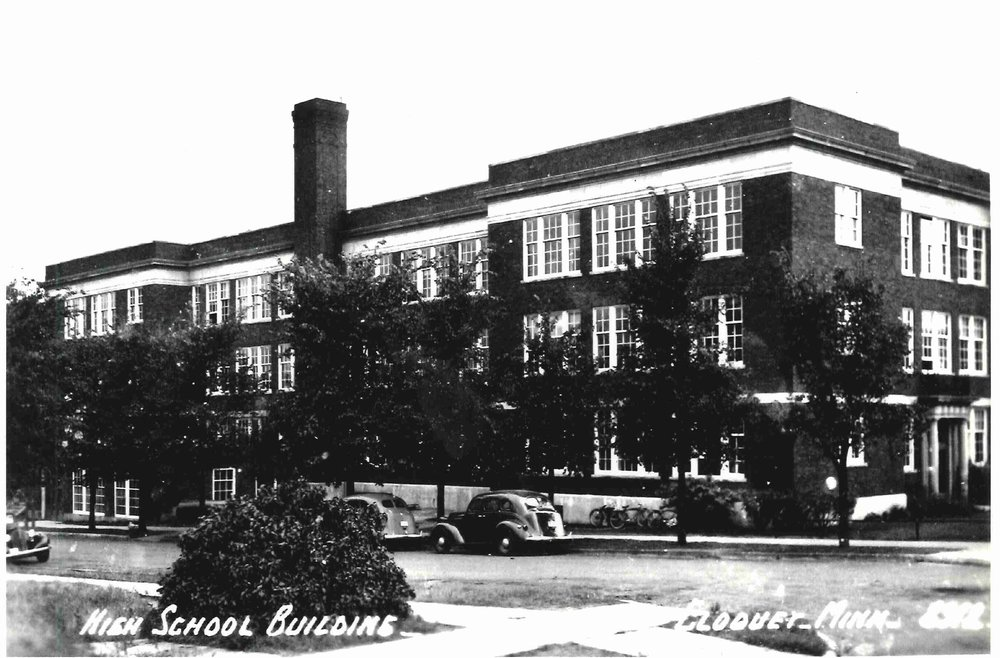 High School building 8x 10-Carlton County Historical Society.jpg