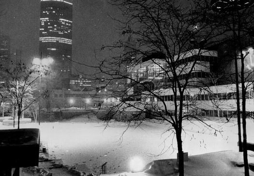 Peavey Plaza_Winter_1984_with rink_Star Tribune.jpg