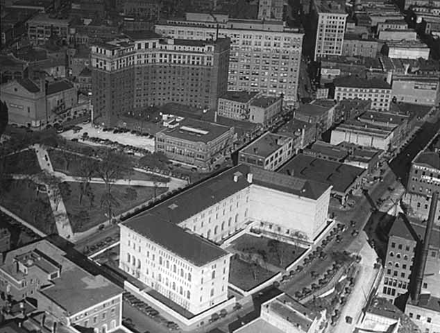 Aerial view of St. Paul, Public Library in the foreground. MR2.9 Sp1i p11 (Locator Number SV).jpg