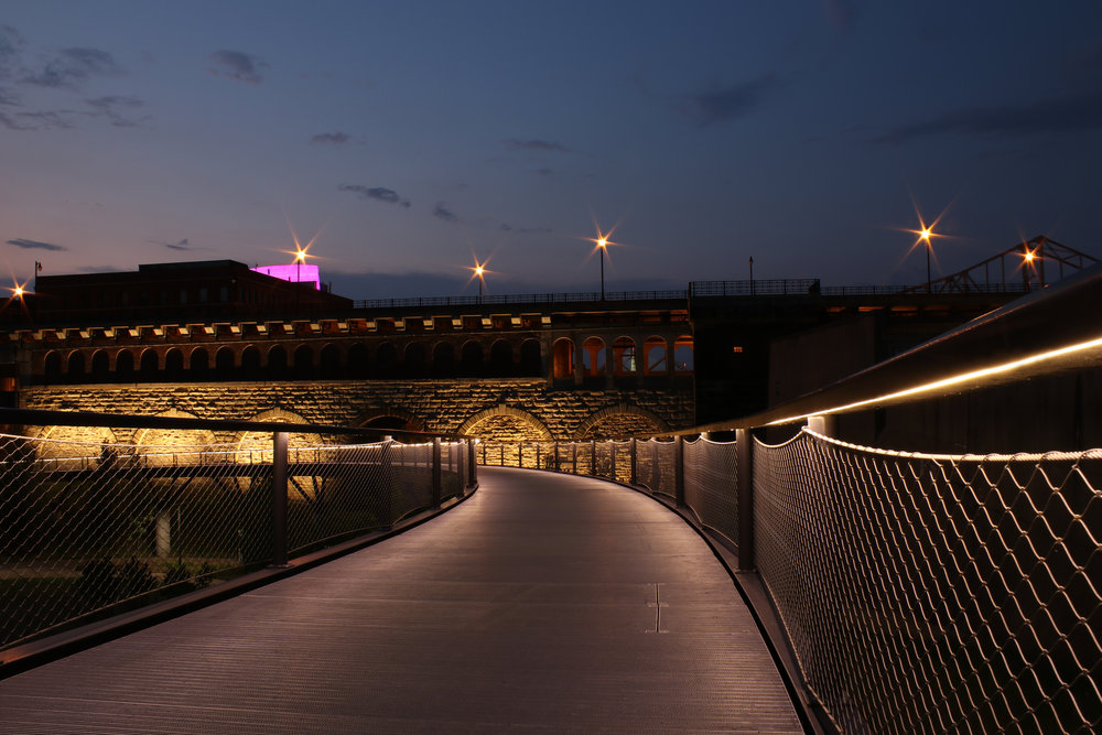 iLight-1-St-Louis-Gateway-Arch-Park-Riverfront-LED-lighting-plexineon-16-b.jpg