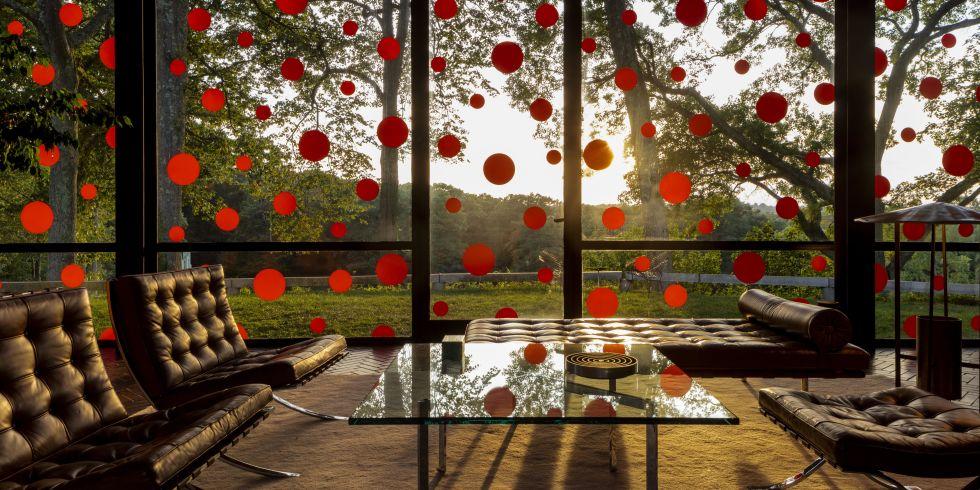 Yayoi Kusama Glass House Exhibition.jpg