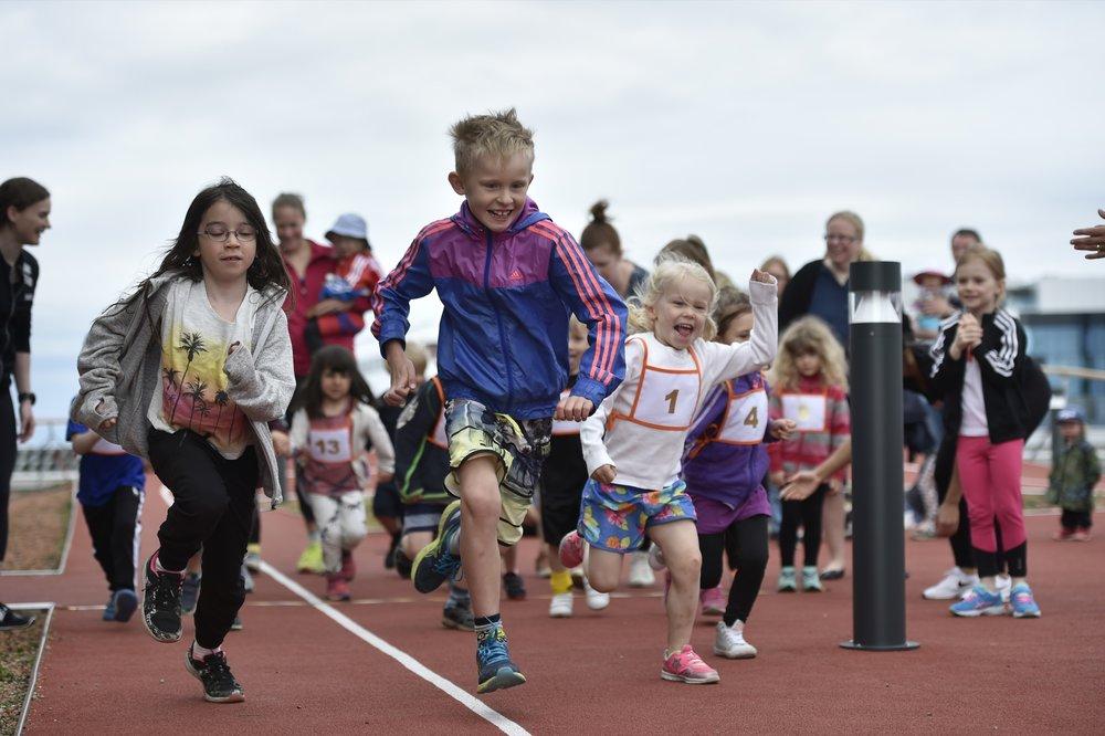 Kids Top Floor Run, barnens eget lopp på taket hos SATS Torsplan.Foto: Mikael Sjöberg